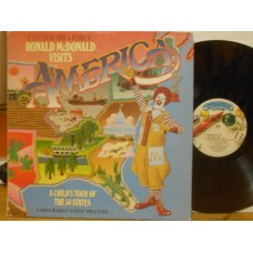 VISITS AMERICA - A CHILD'S TOUR OF THE 50 STATE - LP USA