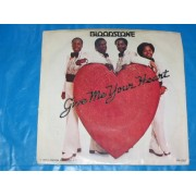 """GIVE ME YOUR HEART / SOMETHING'S MISSING - 7"""" USA"""